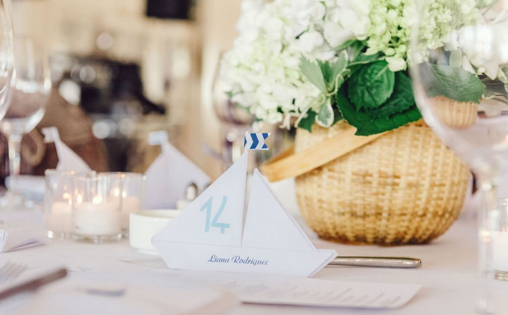 nantucket wedding table setting