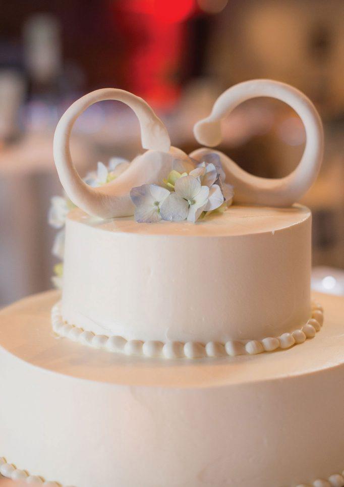 nantucket-island-ack-visit-travel-Post-Wedding-wedding-cakes-Rebecca-Love-Photography-06-682x1024