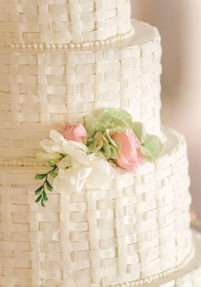 nantucket-island-ack-visit-travel-Post-Wedding-wedding-cakes-Zofia-Co-02-683x1024