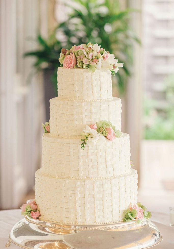 nantucket-island-ack-visit-travel-Post-Wedding-wedding-cakes-Zofia-Co-07-684x1024