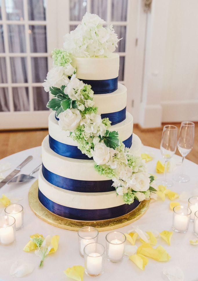 nantucket-island-ack-visit-travel-Post-Wedding-wedding-cakes-Zofia-Co-09-683x1024