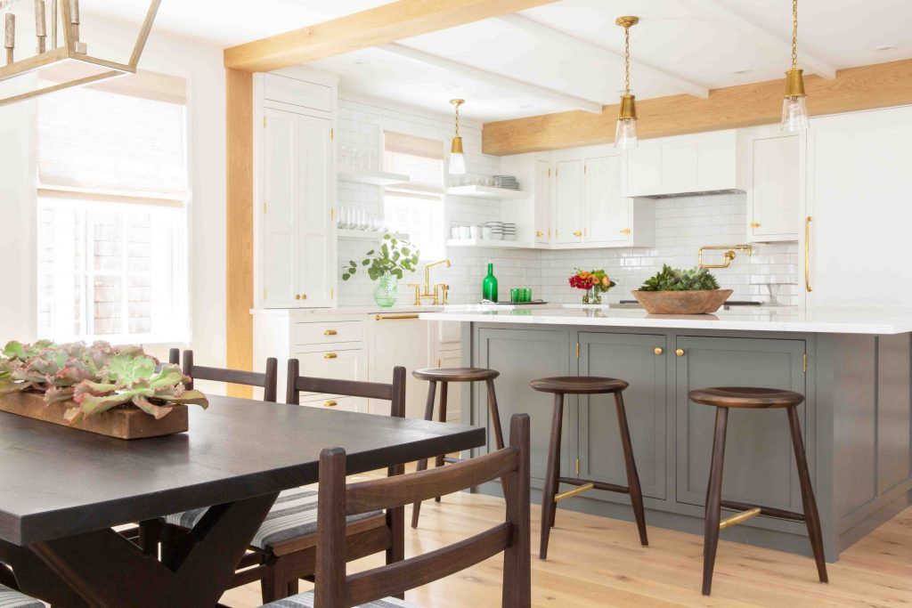 nantucket white kitchen style