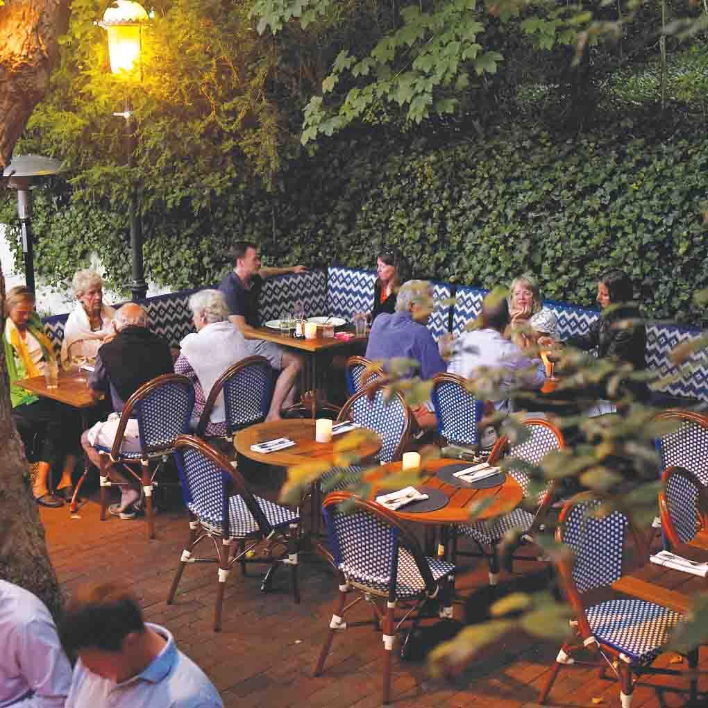 outdoor patio bar nantucket