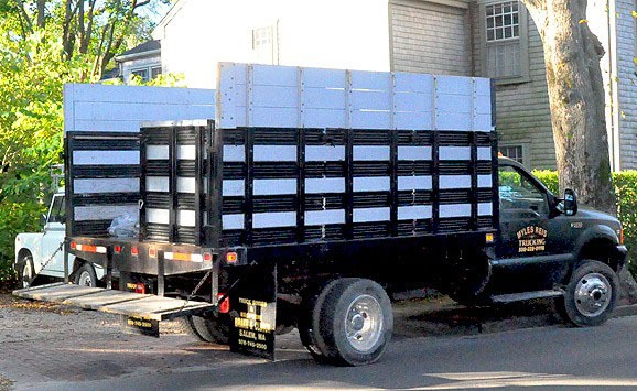 nantucket-rubbish-company-and-trucks